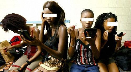 """Chiper le mari ou le petit copain de sa """"meilleure amie"""" : nouvelle forme de terreur pour les couples, au Sénégal"""