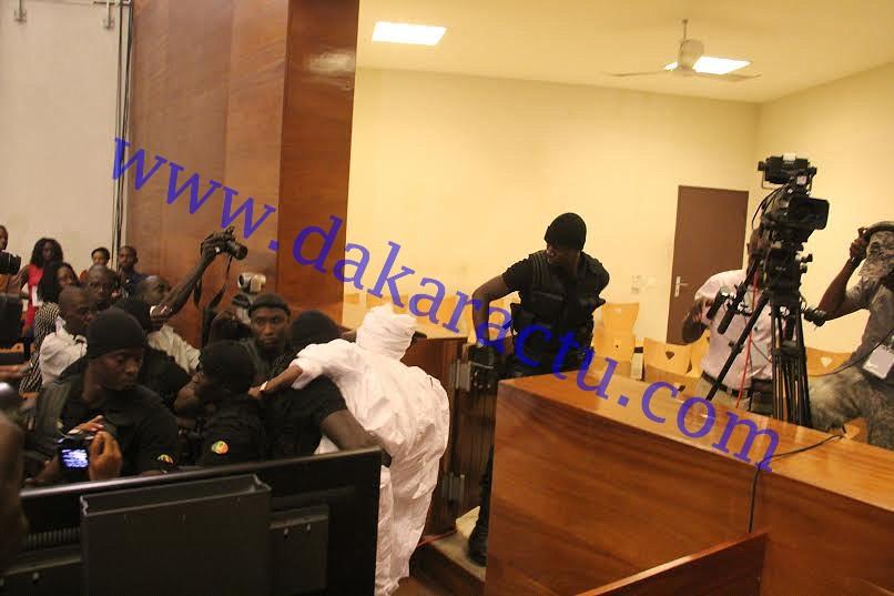 Premier incident d'audience : Ses avocats absents, Habré récuse Ciré Clédor Ly, ses souteneurs évacués