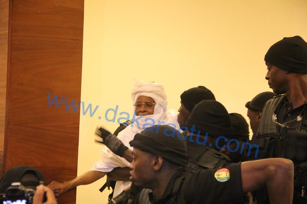 Palais de Justice de Dakar : les images de l'ouverture du procès de l'ancien président Tchadien Hissène Habré