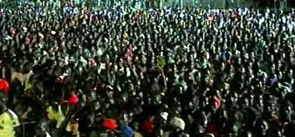 Combat Royal : Malgré la défaite, les fans de Modou Lô le portent en triomphe