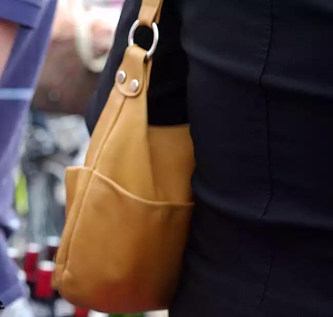 Quel mystère cache le sac à main des femmes ?