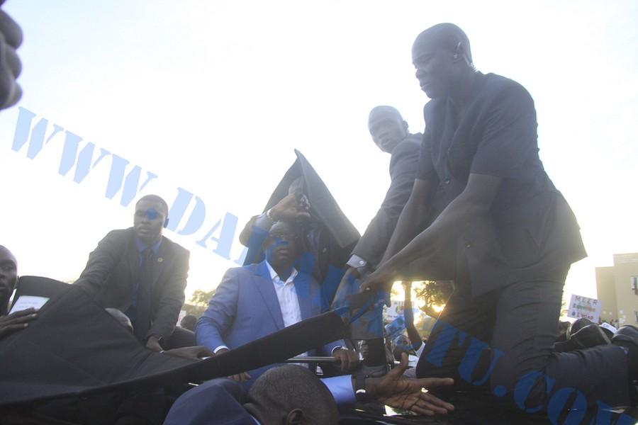 Le président à l'Université Cheikh Anta Diop : Une visite perturbée par des jets de pierre