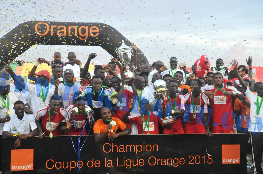 L'AS DOUANES REMPORTE LA COUPE DE LA LIGUE ( images )