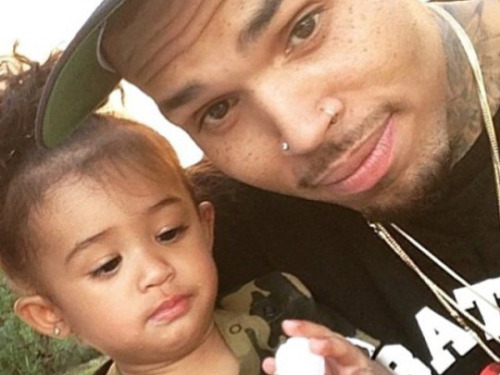 Chris Brown : Royalty en danger avec son père ?