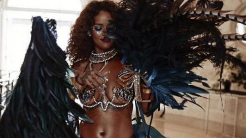 Rihanna : Ultra sexy, elle s'éclate au Carnaval de la Barbade