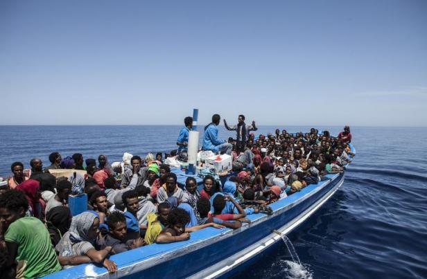Libye : 200 migrants disparus dans le naufrage de leur bateau