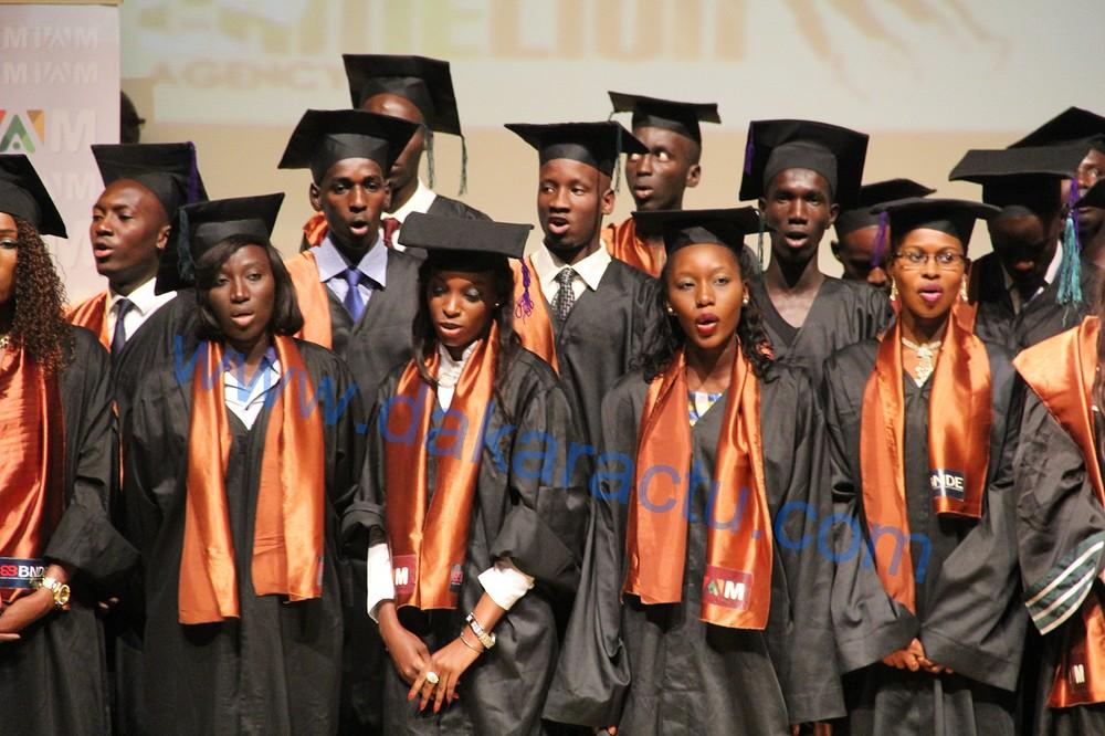 Sortie de promotion des étudiants du public orientés dans le privé : Le ministre de l'enseignement supérieur annonce le projet « Prêt-Bourse »  (IMAGES)