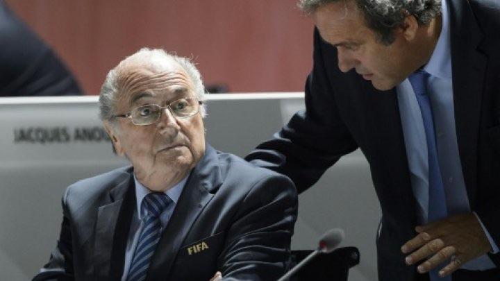 Fifa: Blatter affirme que Platini l'a menacé de prison pour le dissuader d'être candidat