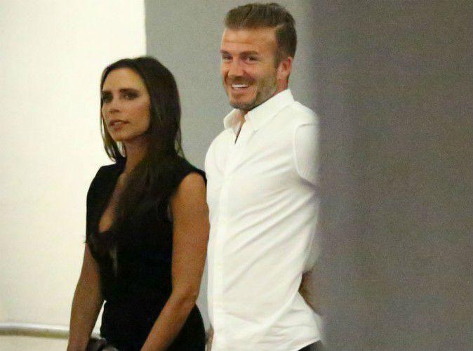 Photos : Victoria Beckham sexy en robe ultra-décolletée pour dîner avec David et des amis !