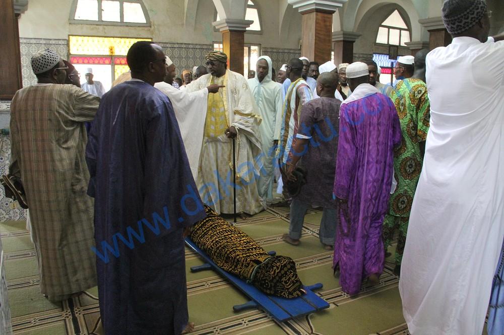 Les images de la levée du corps de Doudou N'diaye Coumba Rose à la Mosquée des Hlm 2