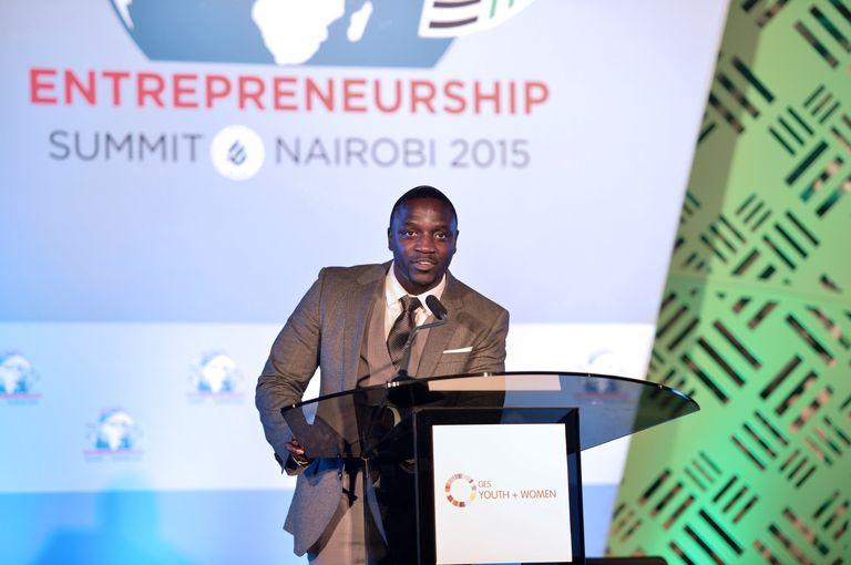 Le rappeur Akon, mécène de l'énergie solaire en Afrique