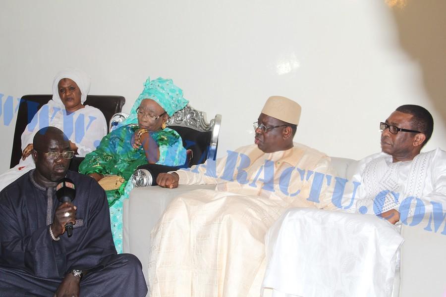 Le Président de la République chez Youssou N'dour, pour lui présenter ses condoléances, suite au rappel à Dieu de son beau frère Makhtar Kouyaté