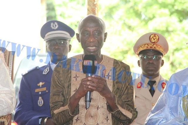 Déclaration du fils aîné de Doudou N'diaye Rose, Thiouna N'diaye, face à Macky Sall : « Mon père avait souhaité voir son école de percussion être érigée un jour au Sénégal. Pour pérenniser l'œuvre de notre regretté père, nous vous tendons la main..
