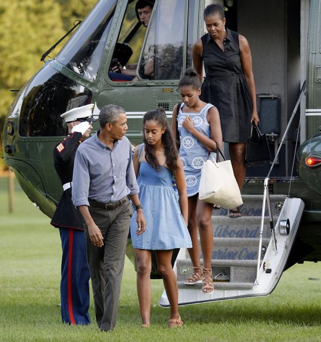 Finies les vacances pour les Obama, Sacha et Malia dégoûtées !