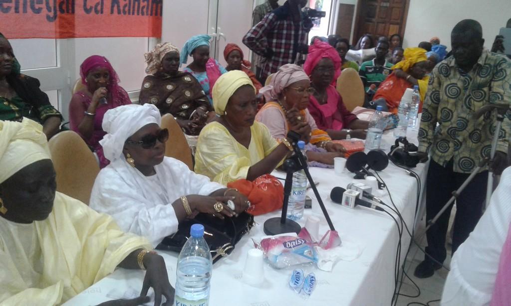 Thiès : Les femmes de Rewmi taclent Macky Sall et son ministre conseiller Youssou N'dour