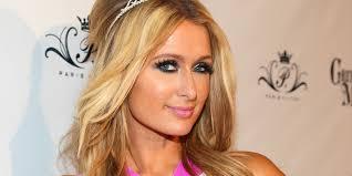 Paris Hilton : un pompier polonais retrouve sa bague perdue et décroche le jackpot