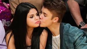 "Toujours ""in love"" ? Justin Bieber dédie son clip ""What Do You Mean"" à Selena Gomez !"