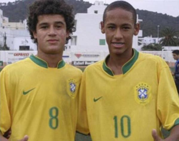 Neymar et Coutinho reproduisent la photo de leurs débuts avec le Brésil...
