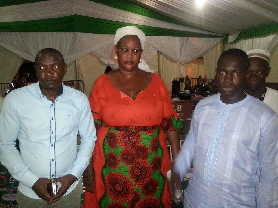 Le ministre Moustapha Diop vient en aide aux pèlerins bloqués à l'Aérogare qui leur est réservé