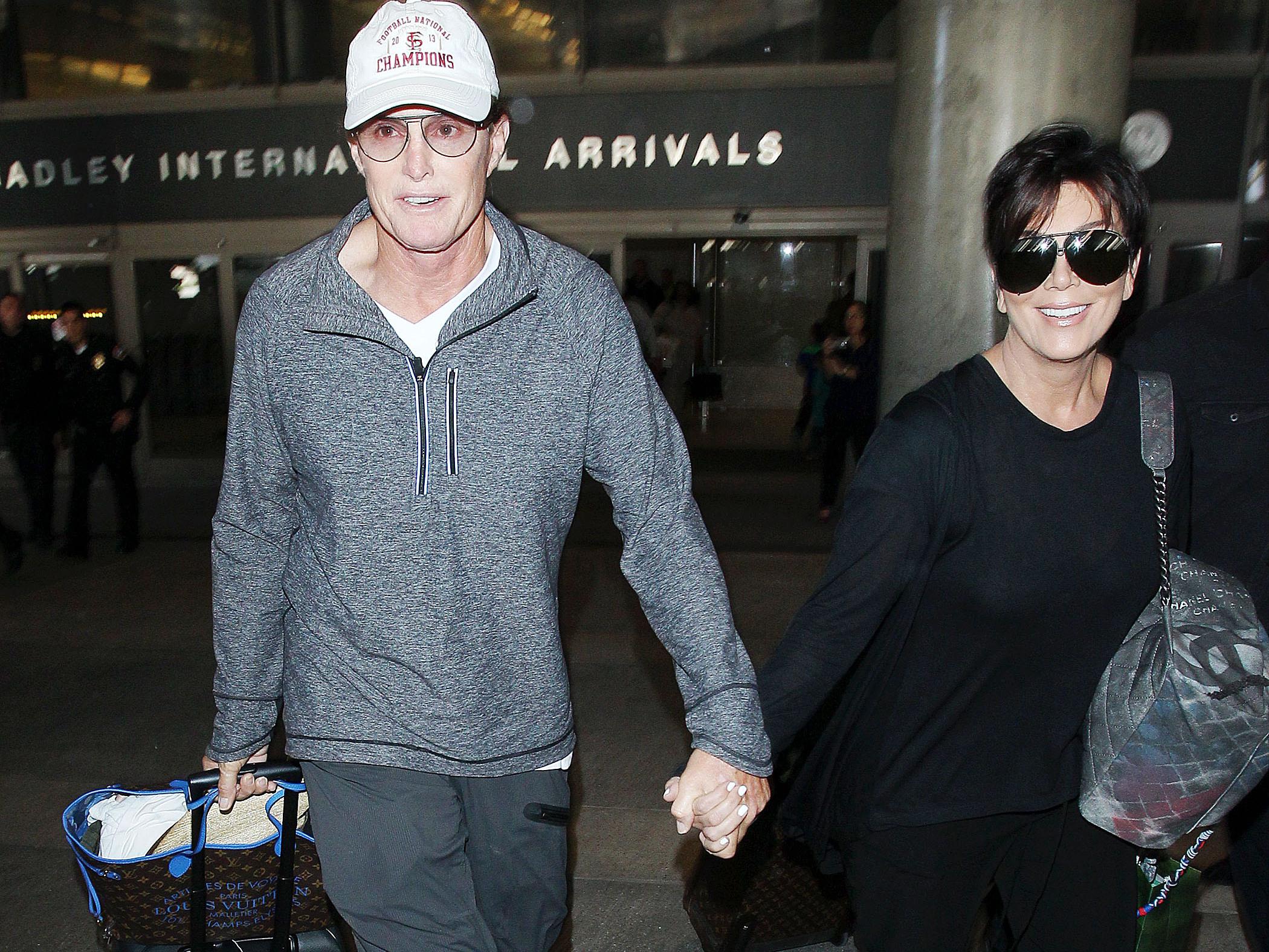 """Kris Jenner pas familiarisée avec la nouvelle identité de Caitlyn Jenner : """"Je l'appelle Jenner"""""""