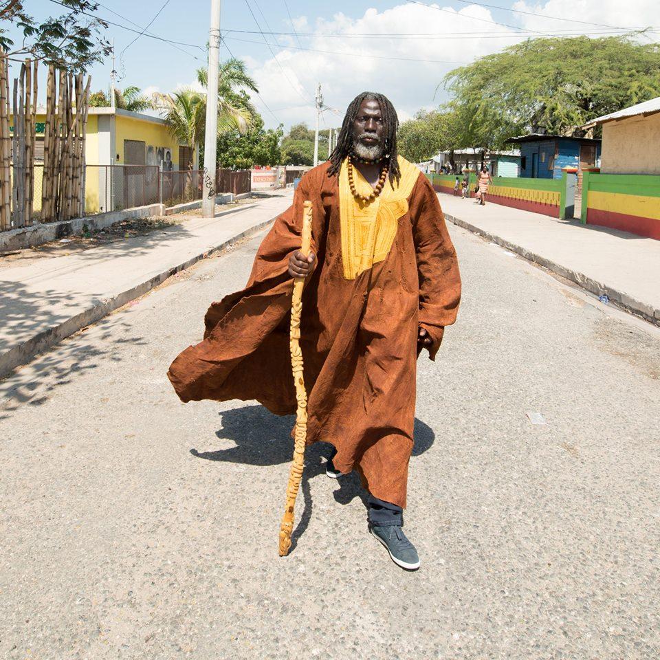 BURKINA FASO-Tiken Jah Fakoly martèle : « Qu'ils libèrent notre peuple d'abord, ils veulent restaurer la dictature… »