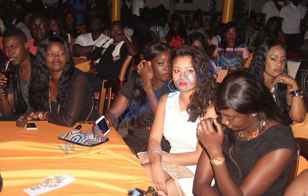 Viviane Chidid fête son anniversaire avec ses fans au Just 4 U  (IMAGES)