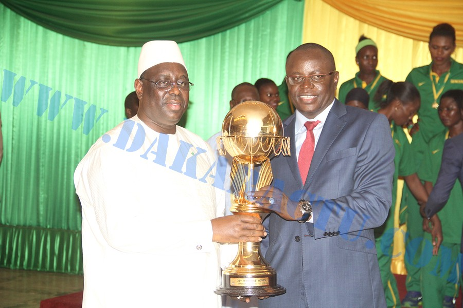 Réception des Lionnes au Palais : Le ministre des Sports, Matar Ba, ovationné par la foule