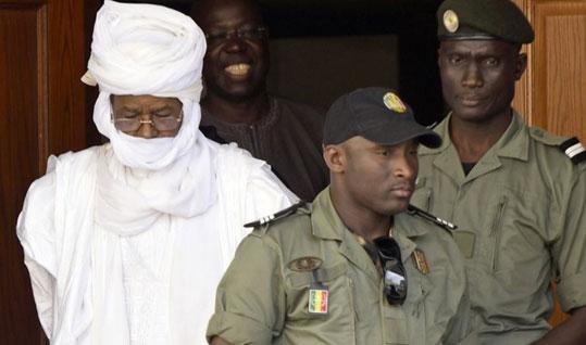 Habré doit rendre compte au peuple tchadien, dit l'épouse d'une victime