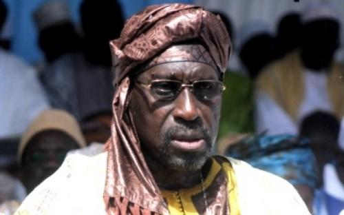 FIFA :  Abdoulaye Makhtar Diop  statue sur les dossiers Sepp  Blatter et  Michel Platini à  ZURICH