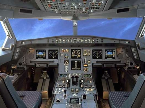 Arabie Saoudite : Une hôtesse de l'air touchait 900.000 € par an en couchant avec les passagers