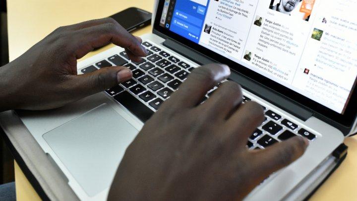 Facebook lance un satellite avec Eutelsat pour développer Internet en Afrique