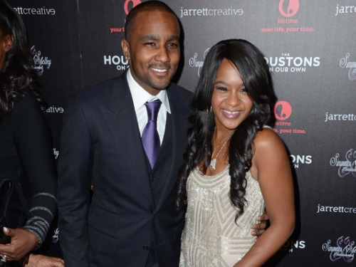 "Nick Gordon officiellement accusé d'avoir injecté un ""cocktail toxique"" à Bobbi Kristina"