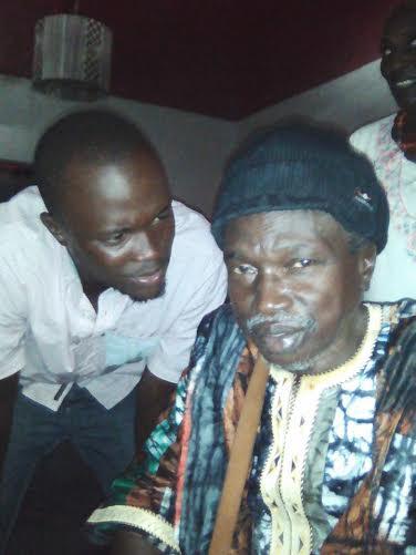 Moussa N'gom en compagnie de son fils Fallou qui fêtait son anniversaire hier au Just 4 U