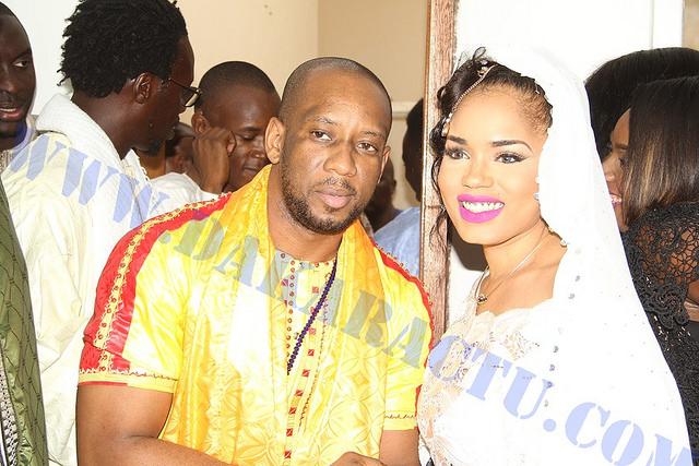 Le mannequin Aziz Fashion avec la mariée Rama Aidara Ndiaye