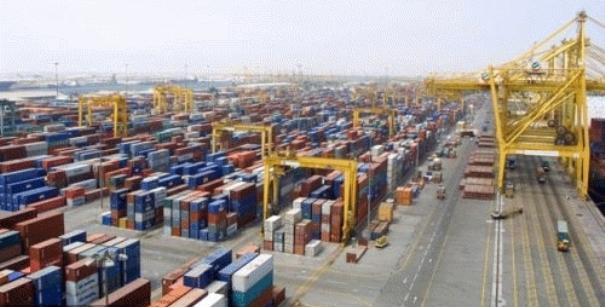 Port multifonctions : Standards d'exploitation élevés et équipements et d'infrastructures dernier cri