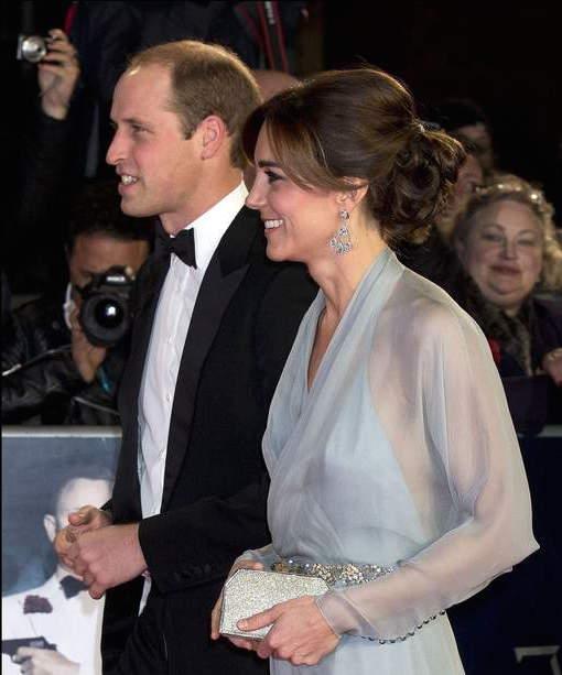 Kate Middleton chic sans soutien-gorge