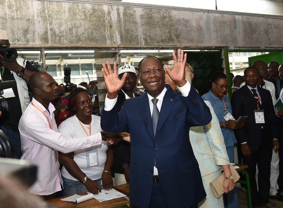 CÔTE D'IVOIRE : Le président réélu avec 84 % des voix