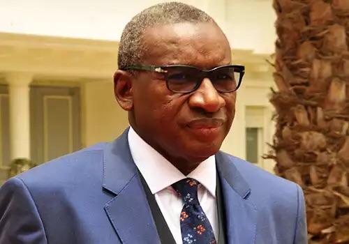 Le ministre de la Justice, Me Sidiki Kaba, décoré à l'Elysée