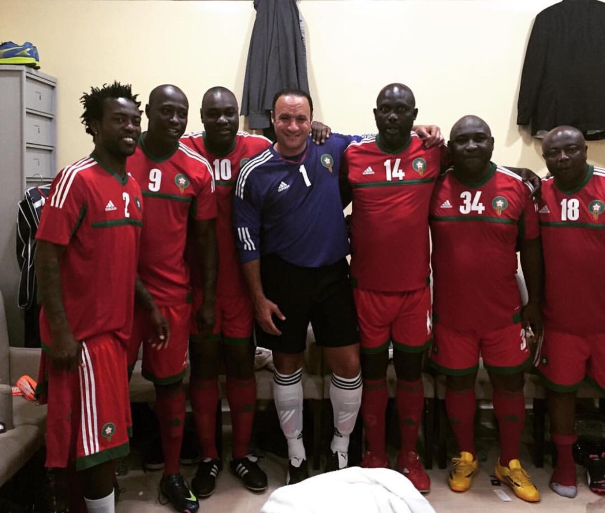 Match de gala de la Marche verte : les légendes de football africain portent le maillot national du Maroc