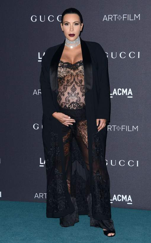 Enceinte, Kim Kardashian ose le transparent