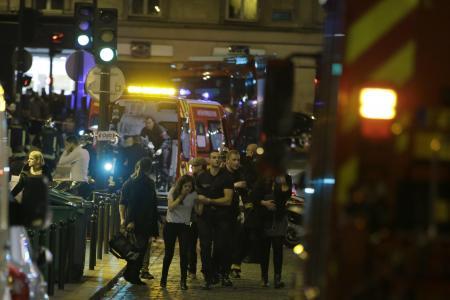 Nuit de terreur à Paris : Plusieurs fusillades font au moins 40 morts, prise d'otages en cours au Bataclan