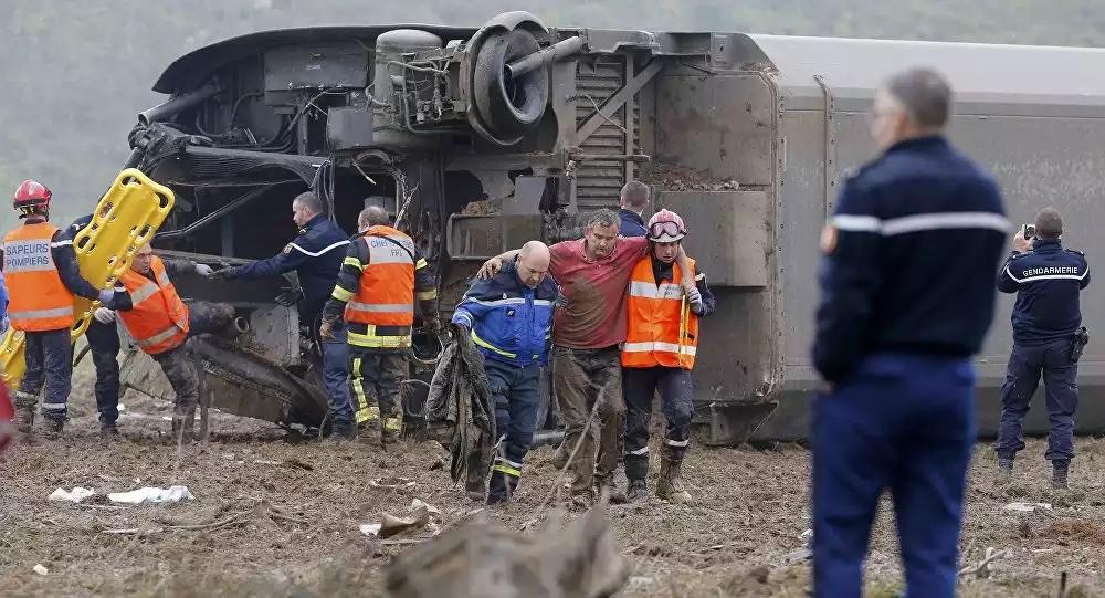 Un TGV d'essai déraille en France, 10 morts