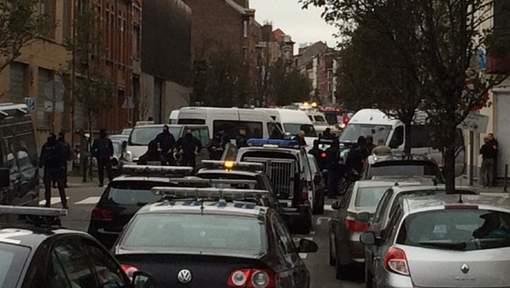 EN DIRECT: une opération en cours à Molenbeek, une détonation entendue