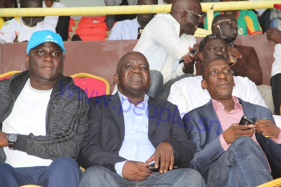 IMAGES : Le pouvoir et l'opposition sénégalaise se rencontrent au stade Léopold Sédar Senghor pour supporter les Lions