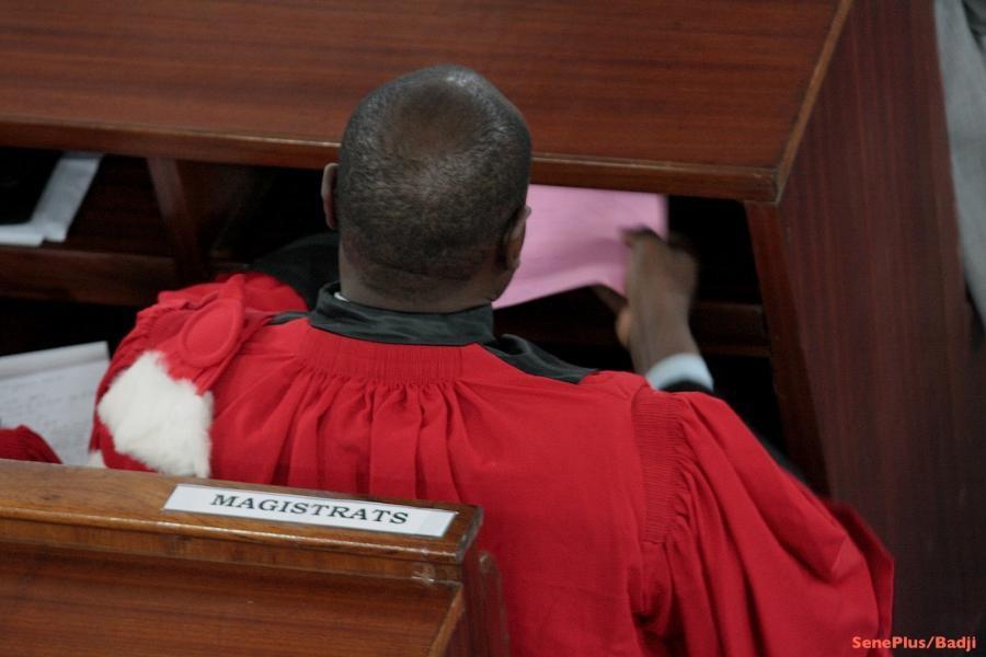 Chers magistrats et avocats, notre nation veut vous savoir en paix !