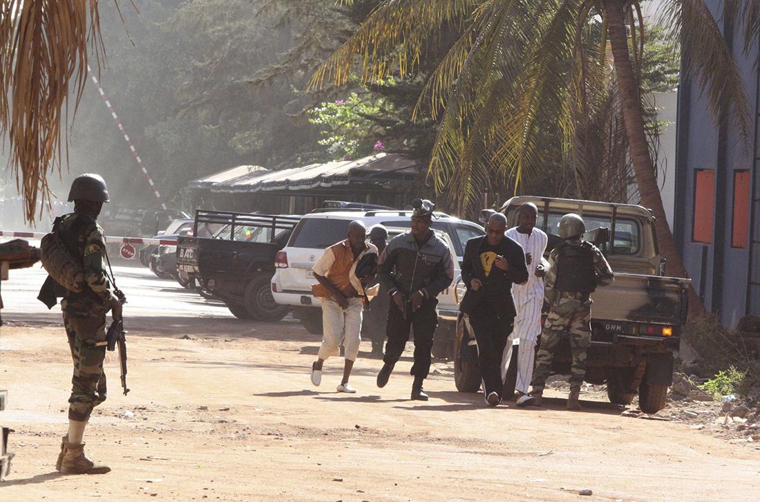 Bocar N'diaye, un des rescapés sénégalais parle : «Ce qui s'est passé est horrible (...) Assane Sall est tombé sur les assaillants dans un couloir de l'hôtel, son collègue Gora M'boup a escaladé un mur pour se sauver...»