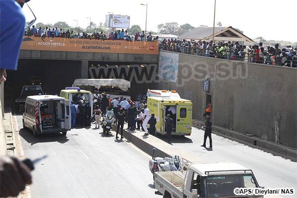Un car transportant des élèves-policiers heurte un pan du tunnel de Soumbédioune, plusieurs blessés