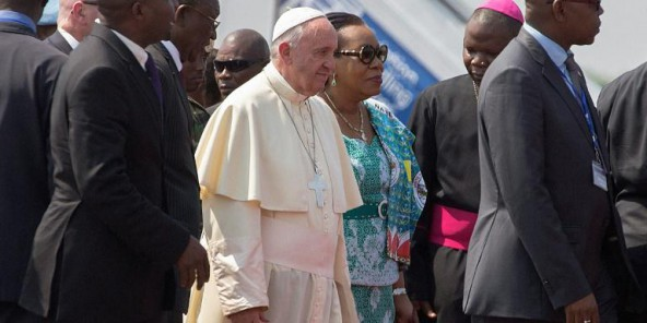 La présidente centrafricaine demande pardon devant le pape pour les violences intercommunautaires