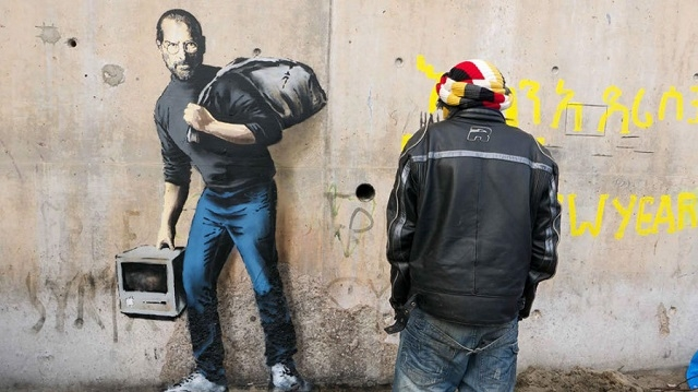 À Calais, Banksy rappelle que Steve Jobs est le fils d'un réfugié syrien
