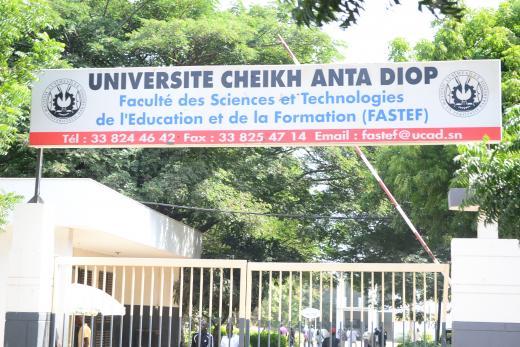 UCAD : Les étudiants de la FASTEF bloquent l'Avenue pendant une heure